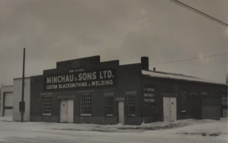 The Minchau blacksmith shop in 1980, just after it had closed. [City of Edmonton Archives, EA-289-81]